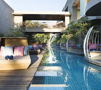Lagoon Pool - Pool Side Lounge