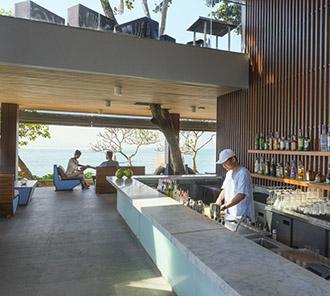Tree Bar - Bar Scene