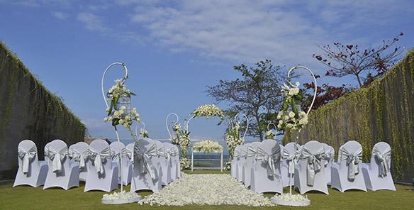 Wedding - Outdoor Flower Wedding Stage Set Up