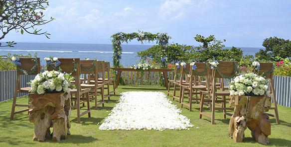 Wedding - Outdoor Wooden Wedding Stage Set Up