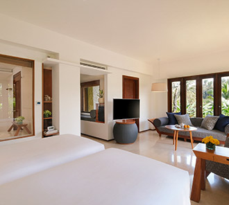 Impressive Forest Corner Suite - Living Space