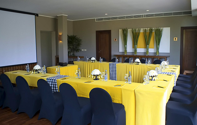 The Lounge - Meeting Set Up
