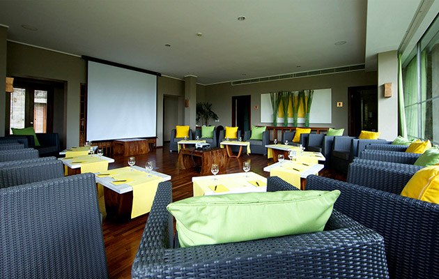 The Lounge - Casual Meeting Set up