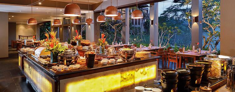 Maya Sari - Breakfast Ambiance
